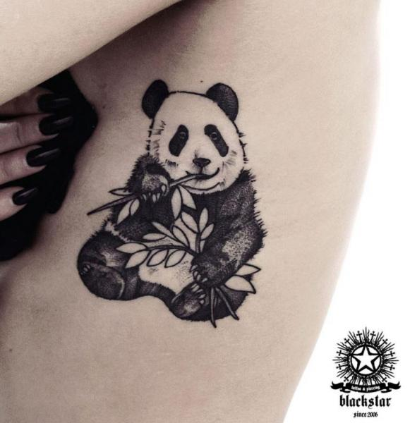 Tatuaggio Fianco Panda di Black Star Studio