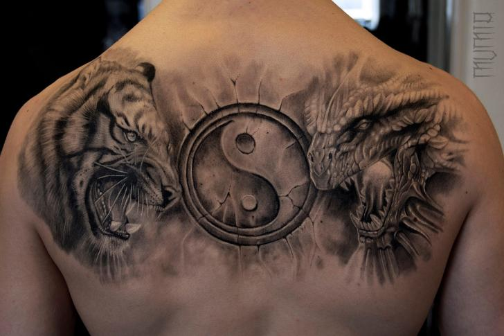 Tatouage Retour Tigre Dragon Par Mumia Tattoo