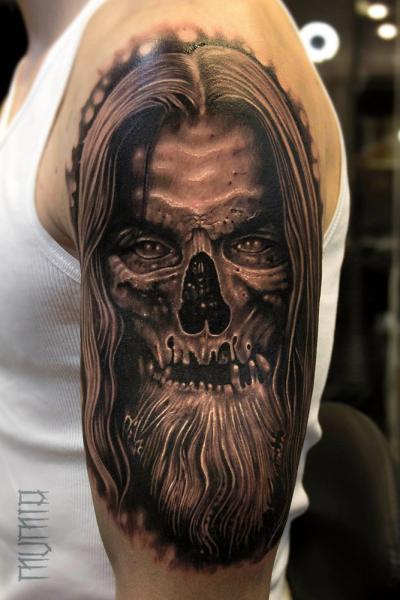 Shoulder Fantasy Skull Tattoo by Mumia Tattoo
