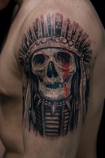 Shoulder Skull Indian Tattoo by Mumia Tattoo
