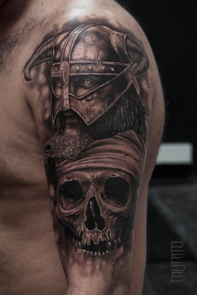 Shoulder Skull Warrior Tattoo by Mumia Tattoo