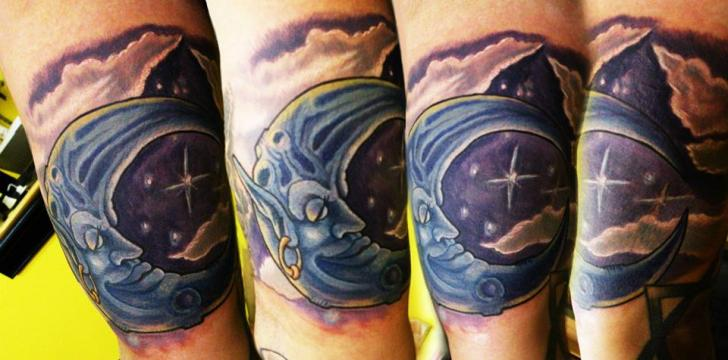Tatuaje Brazo Fantasy Luna por Hyperink Studios