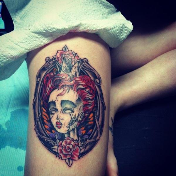 Arm Fantasie Medallion Tattoo von Hyperink Studios