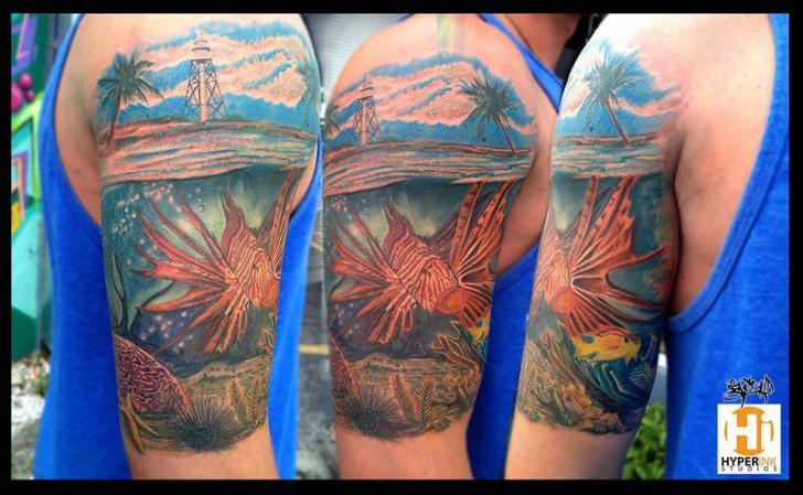 Schulter Realistische Meer Fisch Tattoo von Hyperink Studios