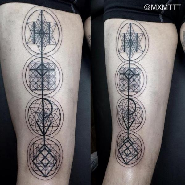 Dotwork Thigh Abstract Tattoo by MXM
