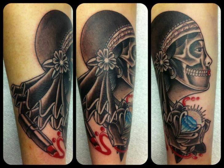 Tatuaggio Braccio Old School Gypsy Diamante di Tattoo B52