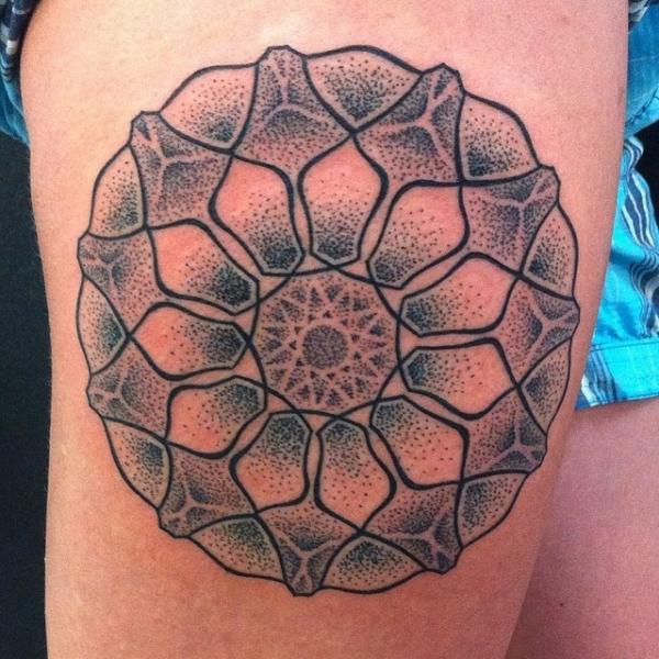 Arm Dotwork Tattoo by Kreuzstich Tattoo