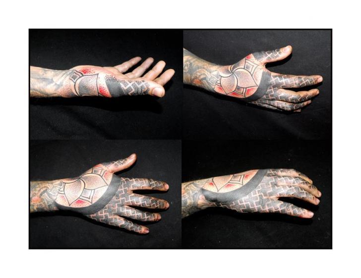 Hand Dotwork Tattoo by Kreuzstich Tattoo