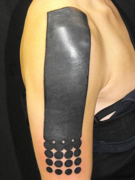 Shoulder Tribal Tattoo by Kreuzstich Tattoo