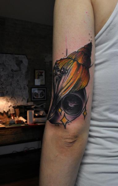 Arm Schale Tattoo von Mark Halbstark