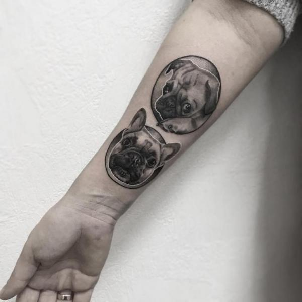 Arm Hund Tattoo von Endorfine Studio