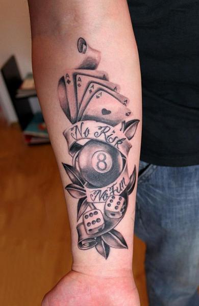 Tatuaje Brazo Realista Juego por Endorfine Studio