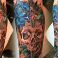 tatuaggio Braccio Serpente Fiore Teschio Pugnale di Endorfine Studio