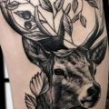 tatouage Jambe Cerf par Endorfine Studio
