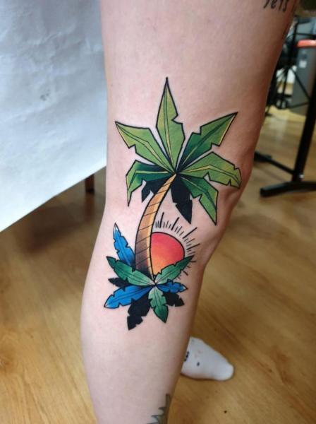 Leg Tree Sun Tattoo by Endorfine Studio