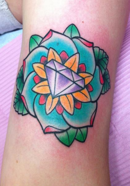 Arm Blumen Diamant Tattoo von Alex Strangler