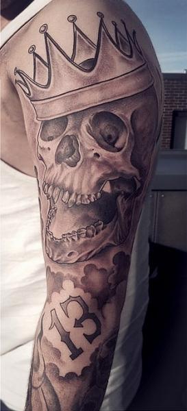 Arm Skull Crown Tattoo by Løkka Tattoo Lounge