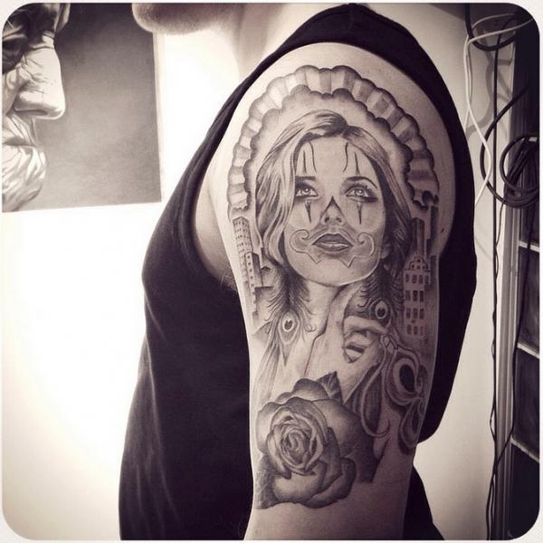 Schulter Fantasie Frauen Tattoo von Løkka Tattoo Lounge