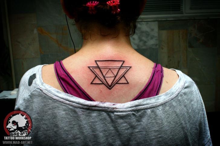 Tatuaje Cuello por Mad-art Tattoo