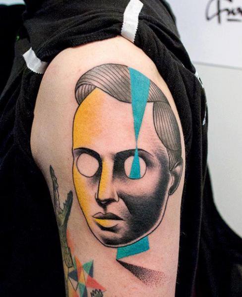 Tatuaje Hombro Fantasy Geométrico por Gulestus Tattoo