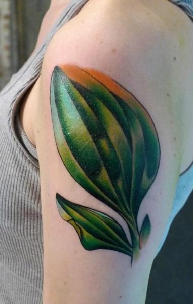 Shoulder Realistic Leaf Tattoo by Gulestus Tattoo