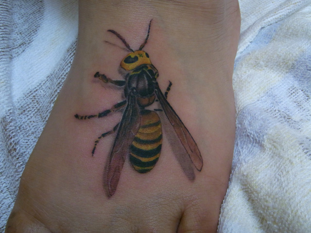 Realistic Foot Bee 3d Tattoo by Daichi Tattoos & Artworks