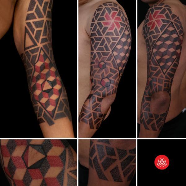 Shoulder Arm Dotwork Tattoo by 2vision Estudio
