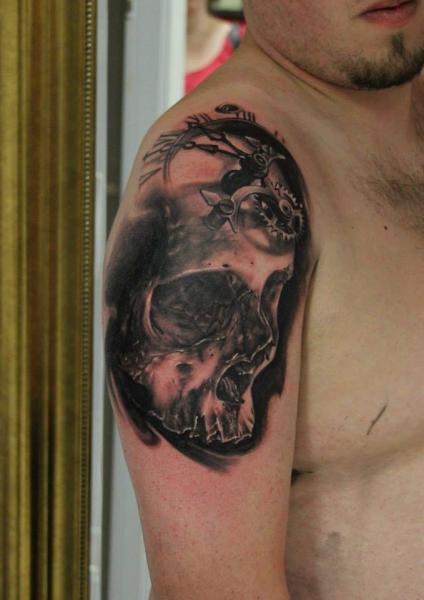 Shoulder Clock Skull Tattoo by Da Silva Tattoo
