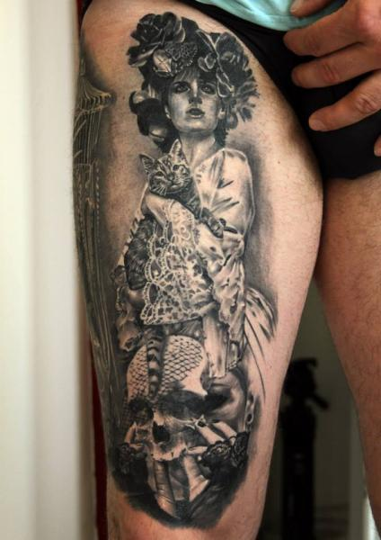 Realistische Frauen Oberschenkel Tattoo von Da Silva Tattoo