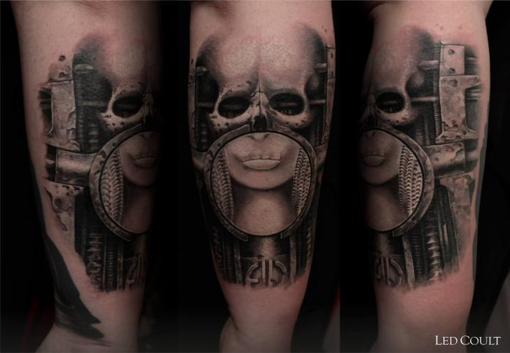 Arm Fantasy Giger Tattoo by Led Coult