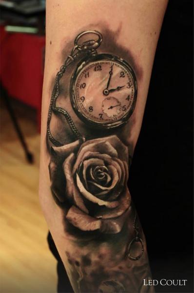 tatouage bras r aliste horloge fleur par led coult. Black Bedroom Furniture Sets. Home Design Ideas