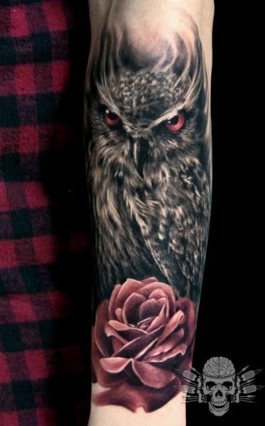 Arm Blumen Eulen Tattoo von Tattooed Theory