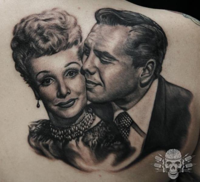 Porträt Realistische Rücken Tattoo von Tattooed Theory