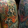 รอยสัก หัวไหล่ หน้าอก ญี่ปุ่น ปลาตะเพียน ปลาคราฟ โดย Lone Star Tattoo