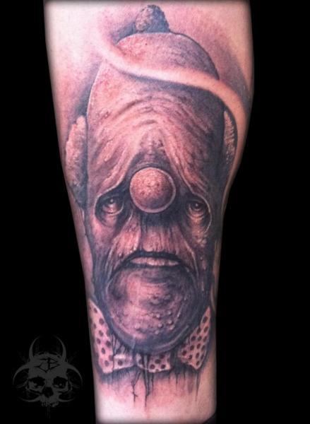 Tatuaggio Braccio Fantasy Mostri di Jeremiah Barba