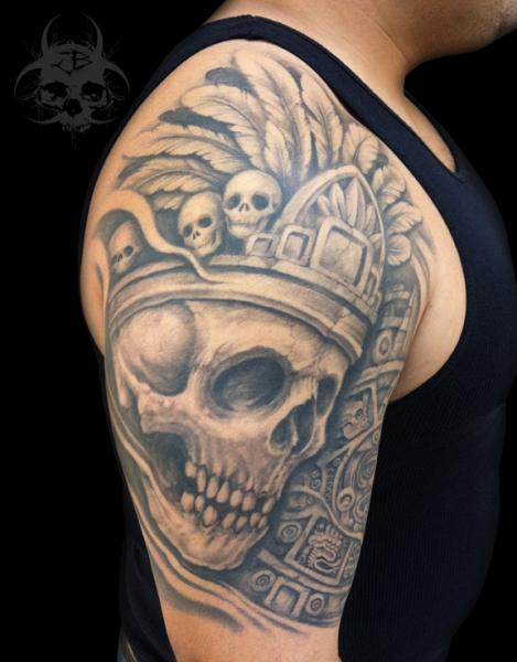schulter totenkopf krone tattoo von jeremiah barba. Black Bedroom Furniture Sets. Home Design Ideas
