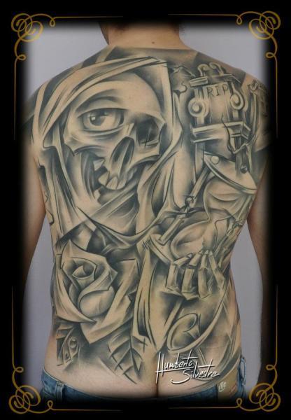 Tatuaggio Fantasy Fiore Teschio Schiena Clessidra di Golden Dragon Tattoo