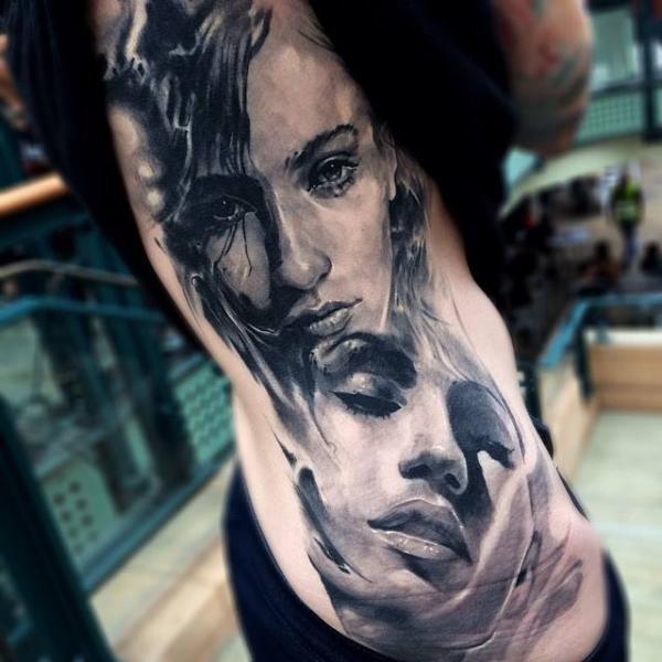 Porträt Realistische Seite Frauen Tattoo von Jak Connolly