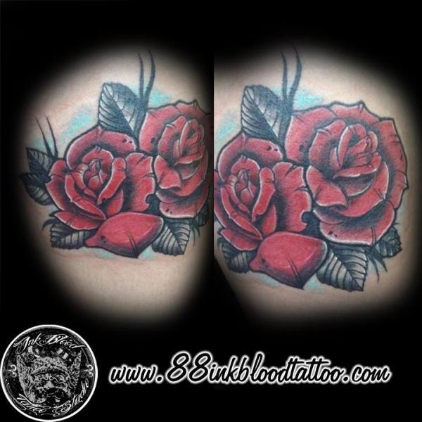 Blumen Rose Tattoo von 88Ink-Blood Tattoo Studio