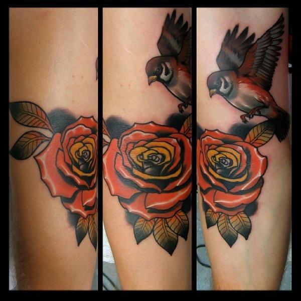 Tatuaggio Braccio Fiore Uccello di Rock Tattoo