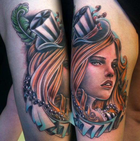 New School Frauen Oberschenkel Hut Tattoo von Johnny Smith Art