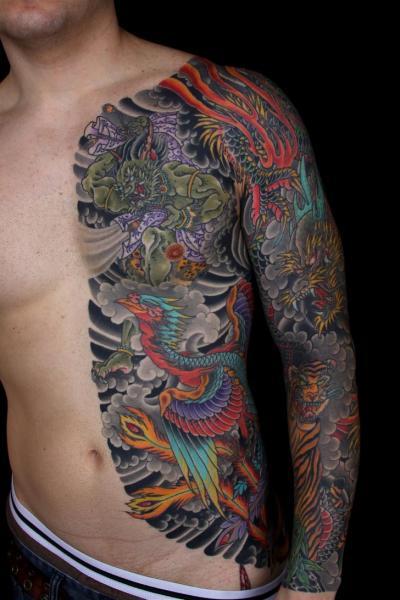 Tatuaje Lado Japoneses Dragón Fénix Manga por Kings Avenue