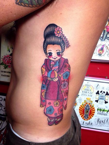 Seite Charakter Geisha Tattoo von Chopstick Tattoo