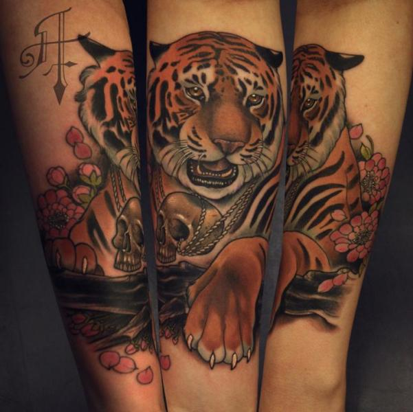 arm realistic tiger tattoo by antony tattoo. Black Bedroom Furniture Sets. Home Design Ideas