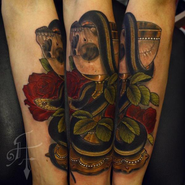 Arm Schlangen Totenkopf Tattoo von Antony Tattoo
