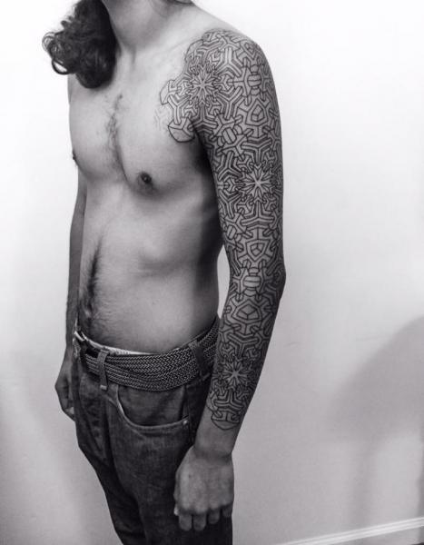 Tatuaje Geométrico Manga por Corey Divine