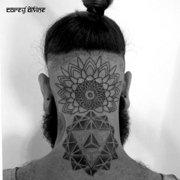 Kopf Nacken Dotwork Geometrisch Tattoo von Corey Divine