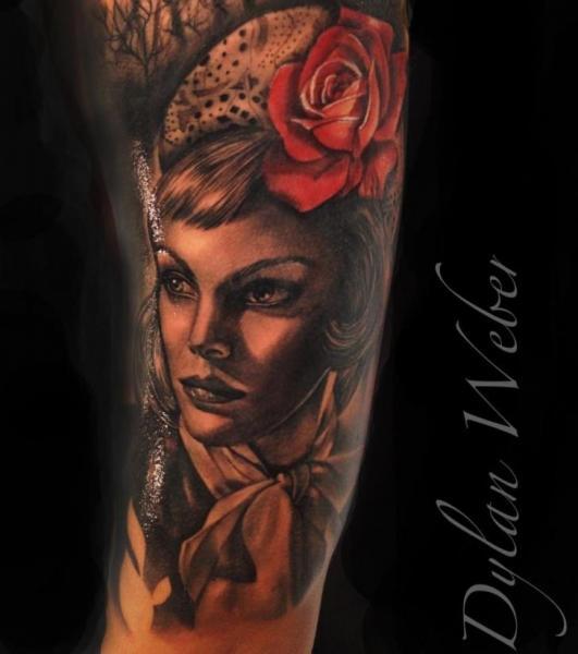Tatuaggio Braccio Ritratti Realistici Rose di Underworld Tattoo Supplies