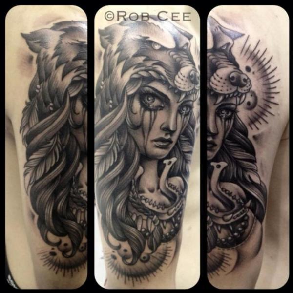 Tatuaggio Braccio Donne Lupo di Underworld Tattoo Supplies