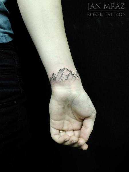 Arm Dotwork Mountain Tattoo by Jan Mràz